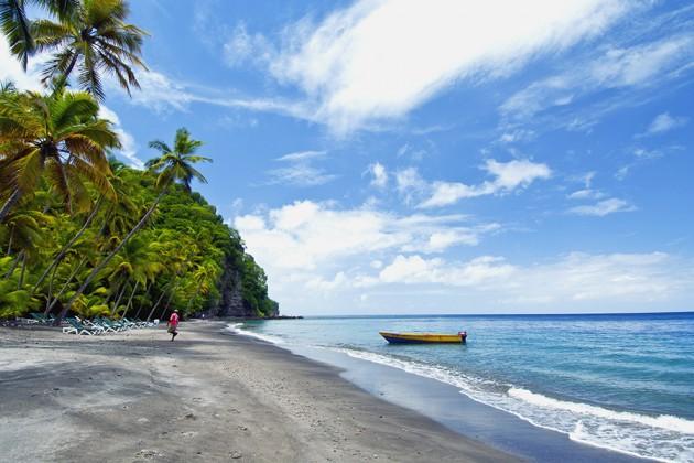 En strand på St Lucia i Karibien.