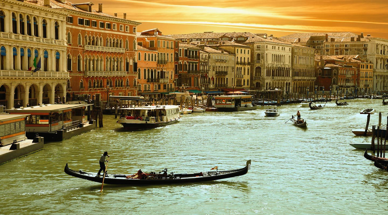 Gondol i Venedig i Italien