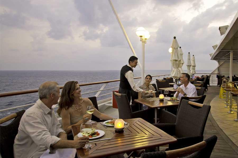 Middadg på kryssningsfartyget Azamara