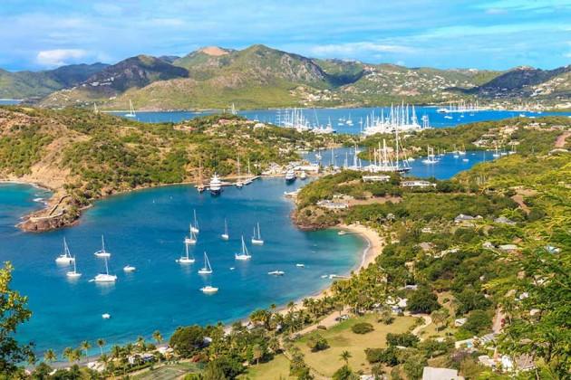 Båtar i Antigua, Karibien
