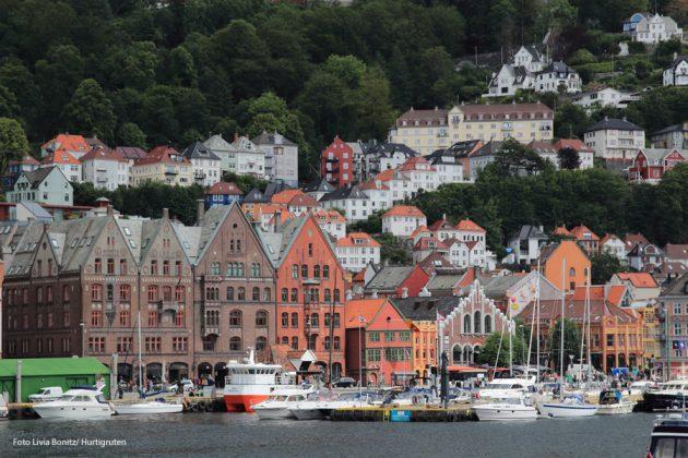 Bergen Foto Livia Benitz Hurtigruten 900x600-mall