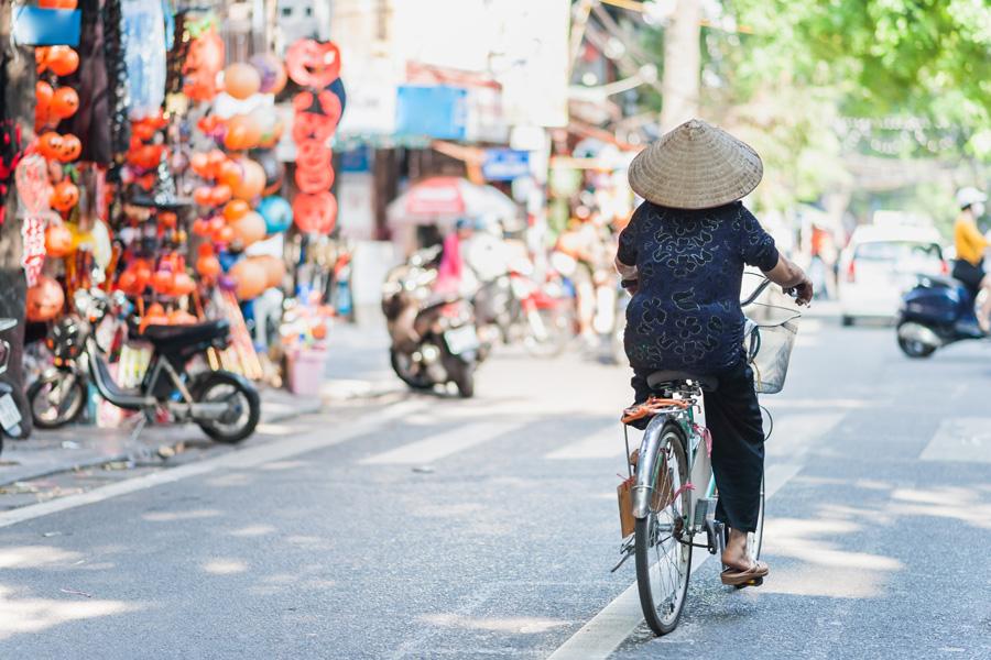 Gatuliv i Hanoi, Vietnam.
