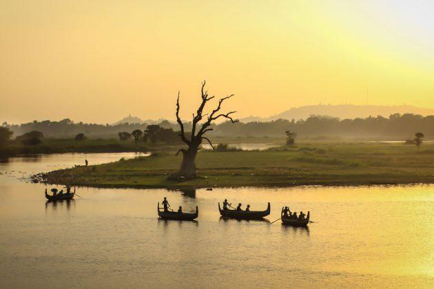 Fiske på Irrawaddy River i Myanmar.